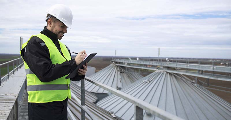 Kiểm tra toàn bộ bề mặt kết cấu và xử lý những khu vực chưa đạt yêu cầu